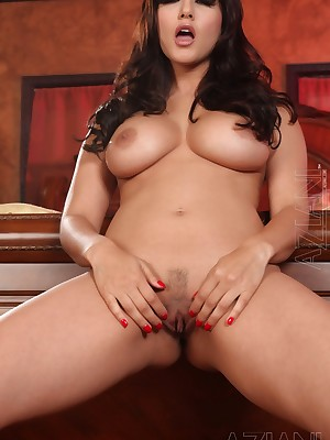 Aziani.com Largess Clear-cut Leone Photos 1