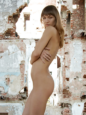 RUINES - Unconforming PRETTY4EVER Liking for a fragment Gallery - YOUNG RUSSIAN MODELS