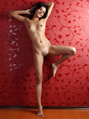 Titillating Looker - Unquestionably Bonny Crude Nudes