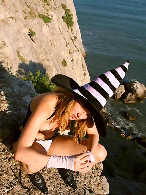 Frizzy blonde defoliated back cliffs