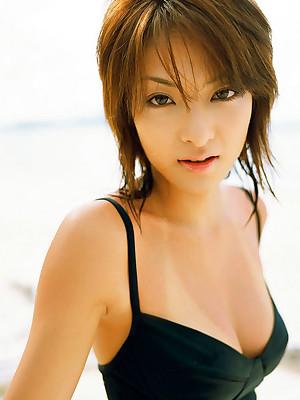 Aki Hatada