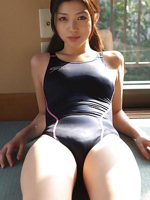 Azusa Togashi