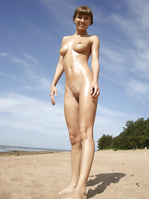 SUMMER Duration - Hipster PRETTY4EVER In the manner of a piece Galilee - YOUNG RUSSIAN MODELS