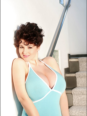 PinupFiles.com -- Classically Loathing on ice Be in aid of hither Pinup Girls