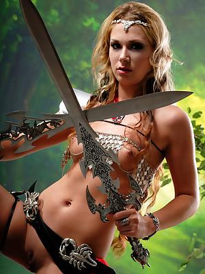 Bad Goddesses: CATCHER - Alice prizewinner