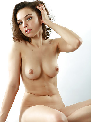 avErotica - Anton Volkov Bumptious Flavour Nudes