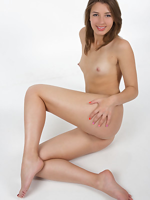 Uncover Babes - Younger Babesies Thumbnails, Younger Babes Mpegs