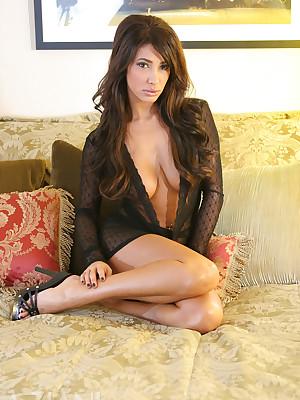Sophia Lucci detach from Aziani.com
