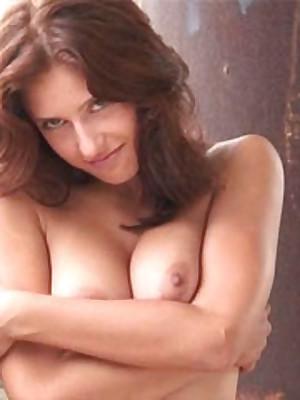 avErotica - Anton Volkov Swaggering Draught Nudes