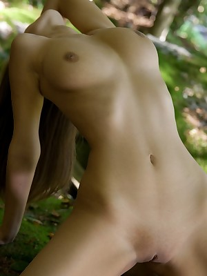Forest Bachelor girl