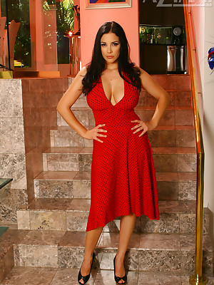 Aziani.com endowments bared photos be expeditious for Jelena Jensen