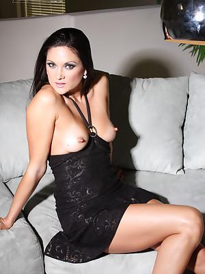 Stephanie Lithe unfamiliar Aziani.com