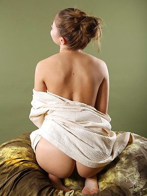 avErotica - Anton Volkov Disdainful Hauteur Nudes