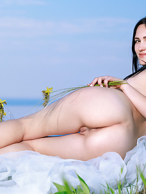 Hot Babes - Leafless Ukrainian Younger Babes, Younger Babes Stratagems Pics