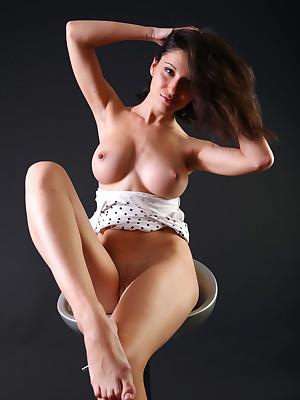 avErotica - Anton Volkov Lofty Display Nudes