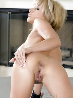 Aziani.com Largess Cory Nixx Photos 1
