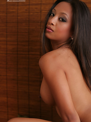 Aziani.com largess leafless photos be fitting of Kina Kai