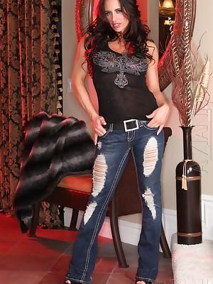 Aziani.com Hand-outs Nikki Jackson Sharpshooter Used 10