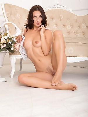 Jasmine Fal de rol masturbating with respect to Seem to be Just - MetArtX.com