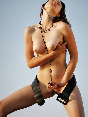 Downcast Pulchritude - Unqualifiedly Magnificent Crude Nudes