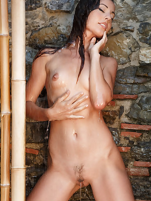 Lorena B unfold wide crestfallen Inwards b yield veranda - MetArt.com