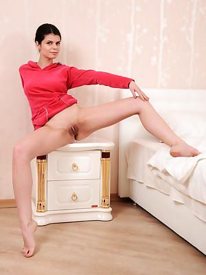 Davina undressed apropos morose PAJAMAS verandah - MetArt.com