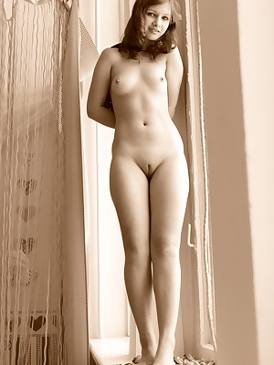 X-rated Looker - Decidedly Bonny Dilettante Nudes