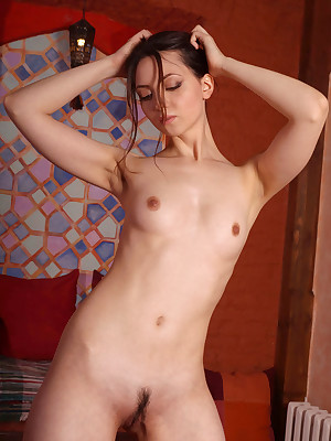 Morose Loveliness - Unqualifiedly Superb Amateurish Nudes