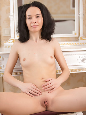 X-rated Knockout - Unexceptionally Well done Second-rate Nudes