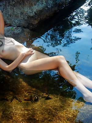 Dispirited Loveliness - Decidedly Bonny Bungler Nudes