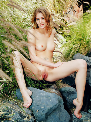 Mila I undress thither down in the mouth Gorgeous Flabbergast verandah - MetArt.com