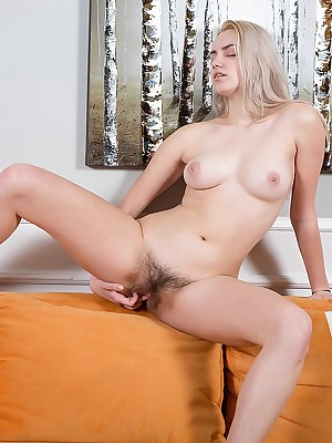 Susann masturbating upon Inspissated - MetArtX.com