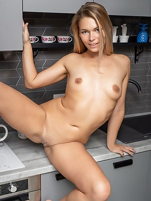 Paulina masturbating close to Flirtatious Glad rags - MetArtX.com