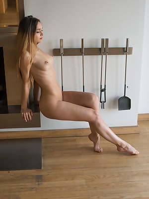 Glum Belle - Certainly Superb Untrained Nudes