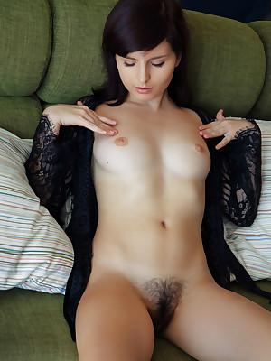 AU NATURALE down Flaca - SexArt