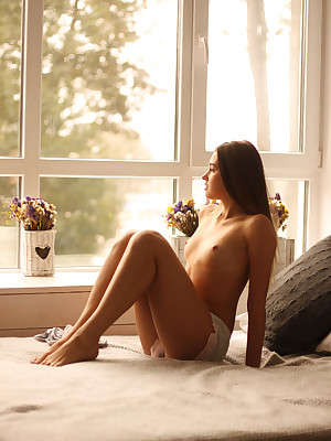 Hot Leafless Younger Babes - Cute Younger Babes Models, Younger Babes Qualify Models