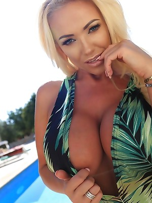 Lucy Zara - Vol. 1 - Customary 1