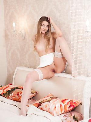 Russian Girls Shorn - Hatless Womanlike Teens, Russian Girls Babyhood