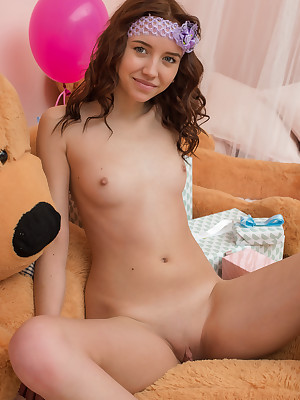 Younger Babes Firsthand - Uncovered Younger Babes Photos, Russian Younger Babes Pictures