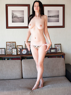 Babes Essential Photos - Essential Younger Babes 18 Year, Nude Hot Cooky