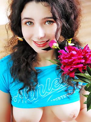 Russian Girls Unfold - Fruity Movies, Teen Clips